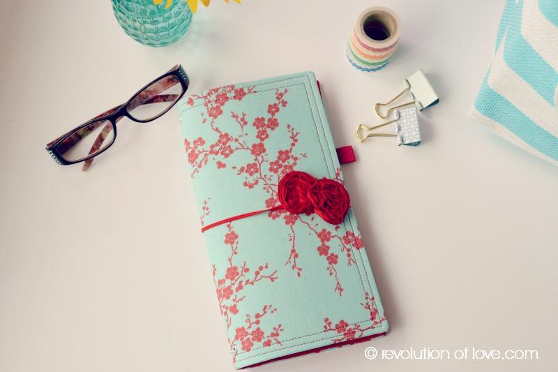RevolutionofLove.com - Traveler's Notebook planner_travelers_1E)