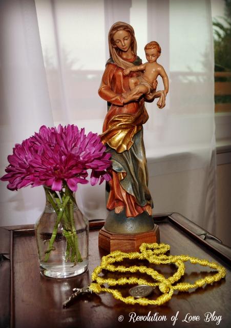 RevolutionofLove.com - knot_rosary_1