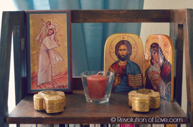 RevolutionofLove.com // bis_altar_2